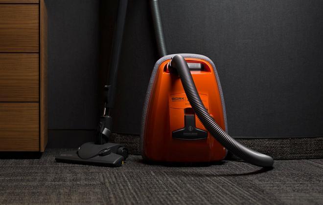 Оранжевый пылесос