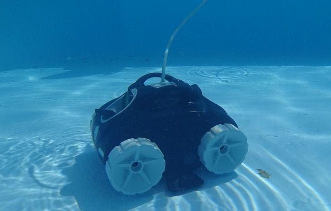 Робот Aquaviva luna