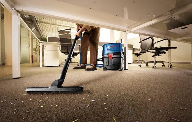 Сухая уборка помещения