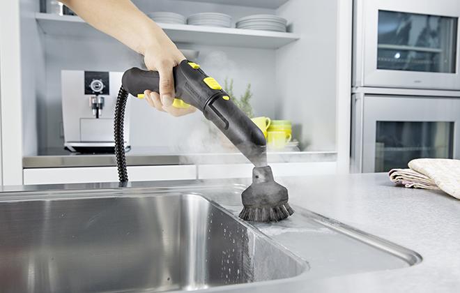 Чистка мойки с помощью парового очистителя
