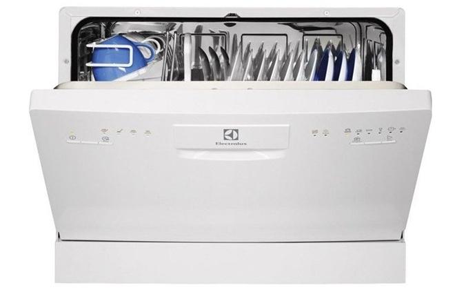 Компактная посудомойка Electrolux ESF2200DW