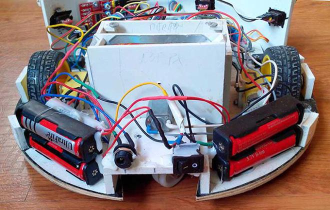 Компоненты самодельного робота-пылесоса