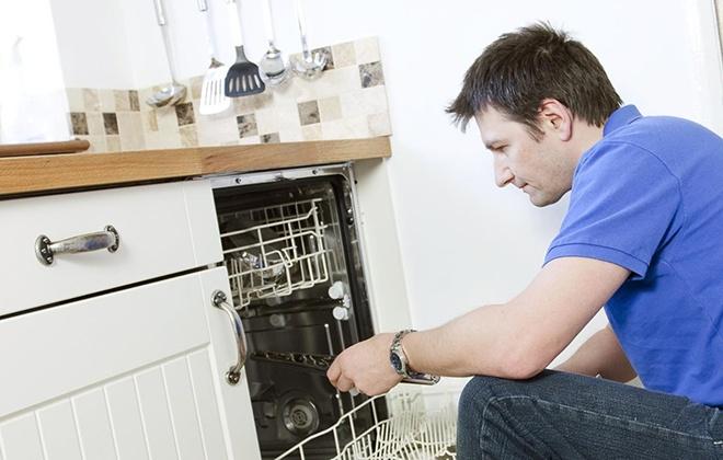Поломка посудомоечной машины