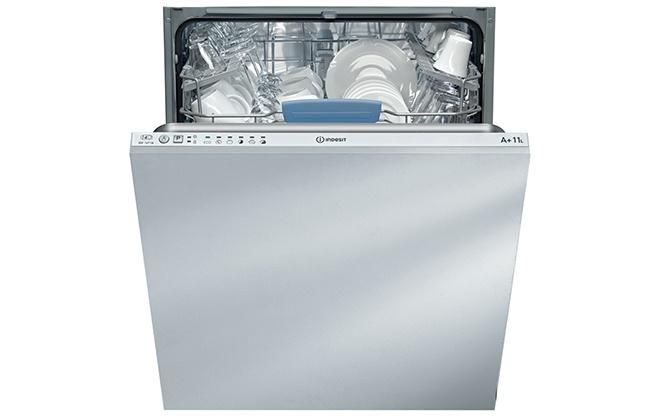 Посудомоечная машина Indesit DIF 16T1 A с открытой дверцей