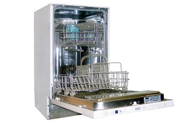 Посудомоечная машина Krona BDE 4507 EU с открытой дверцей