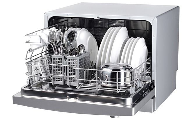 Посудомоечная машина с посудой внутри