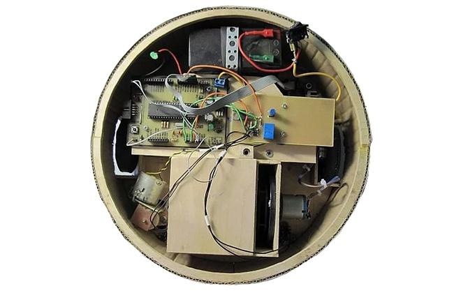 Самодельный робот-пылесос без крышки