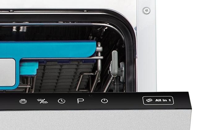 Сенсорные кнопки на панели управления посудомойки