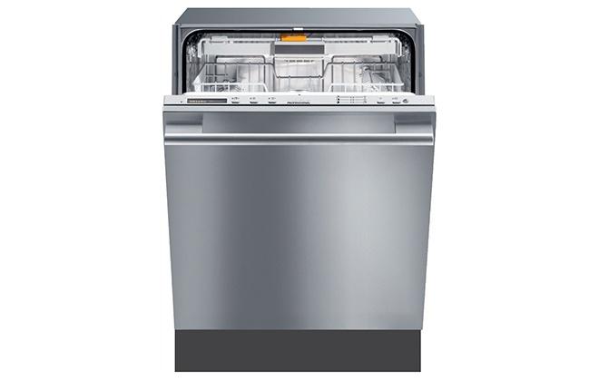 Серебристая посудомоечная машина Miele
