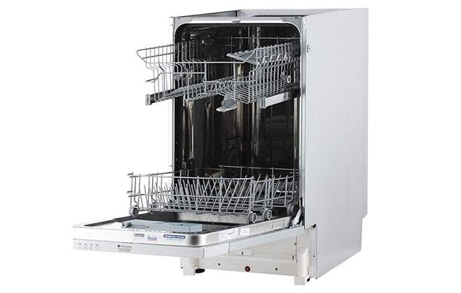 Вид на боковую сторону посудомойки