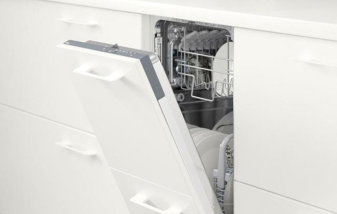 Встроенная в гарнитур посудомойка Икеа