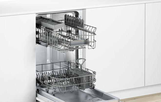 Выездные подставки в посудомойке