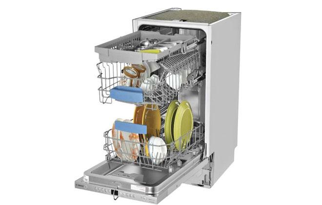 Загруженная посудой посудомойка от Бош