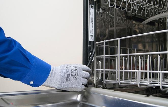 Замена уплотнителя на дверце посудомойки