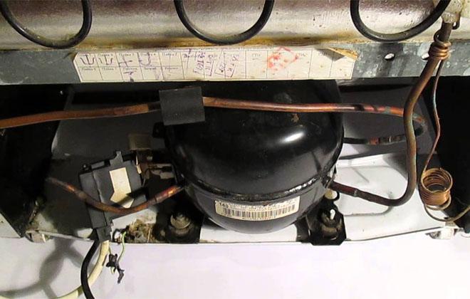 Деталь холодильника нагрета