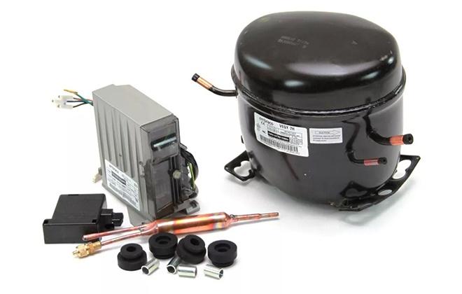 Динамический компрессор с деталями