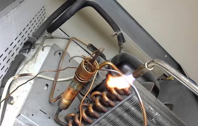 Ремонт капиллярной трубки холодильника