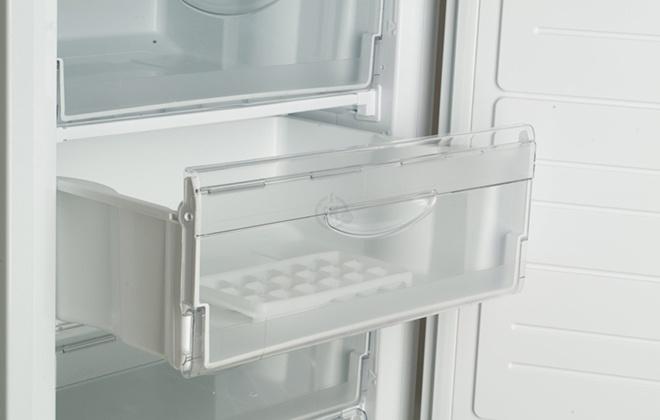 Ящик в морозильной камере