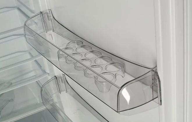 Боковая полка холодильника и подставка для яиц
