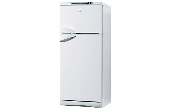 Дизайн холодильника Indesit ST 167
