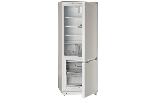Двухкамерный холодильник Atlant 4009-022 с открытыми дверцами