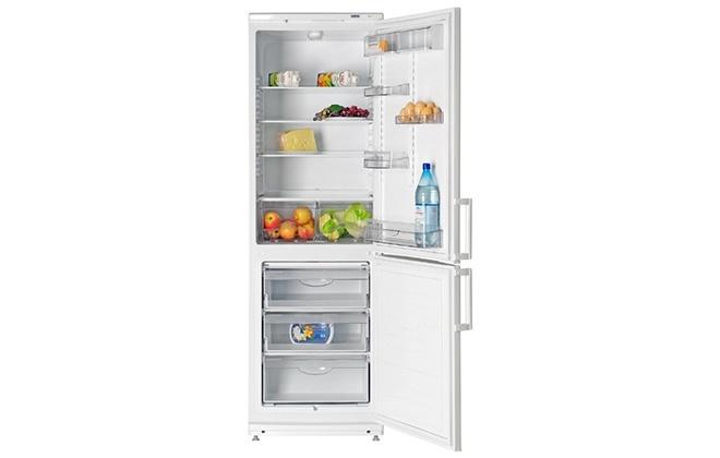 Холодильник Атлант 4021-000 с продуктами