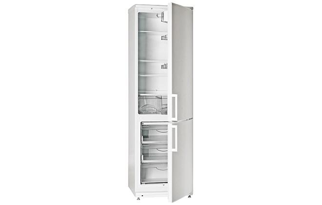 Холодильник Атлант 4024-000 с открытыми дверцами