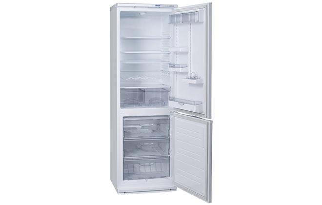 Холодильник Атлант 6021-031 с открытыми дверцами