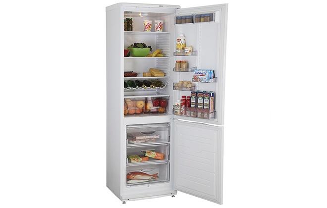 Холодильник Атлант 6024-031 с открытыми дверцами