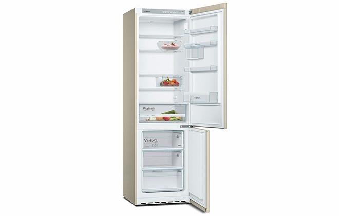 Холодильник Bosch NatureСool KGV39XK2AR внутри