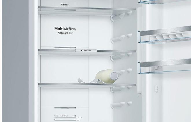 Холодильник Bosch Vitafresh KGN39Xl2AR внутри
