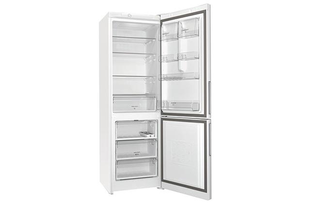 Холодильник Hotpoint-Ariston HS 3180 W внутри