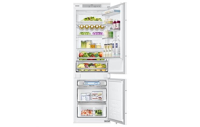 Холодильник Samsung BRB260030WW с продуктами
