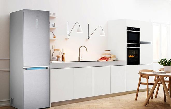 Холодильник Samsung RB41J7861S4 в интерьере