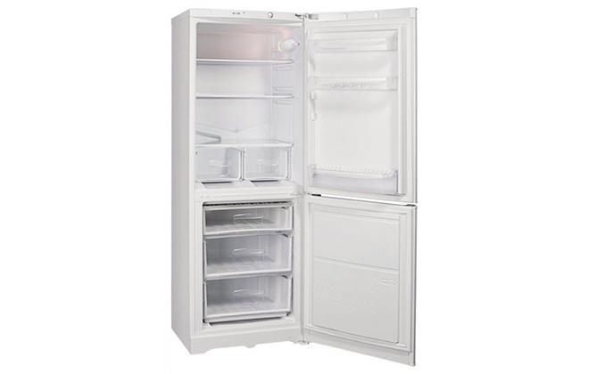 Холодильник Stinol STS 167 внутри