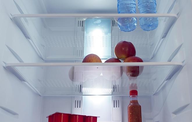 Полки в верхней камере холодильника Pozis