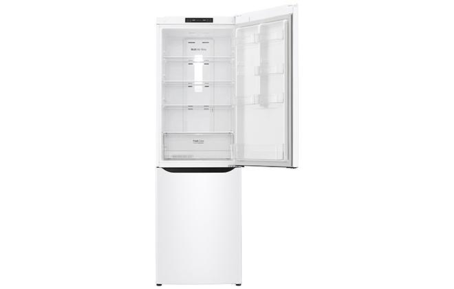 Вид верхней камеры холодильника LG внутри