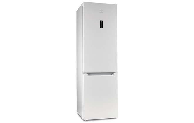 Внешний вид холодильника Indesit ITF 120 W