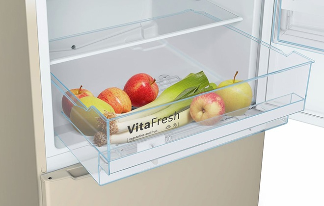 Выдвижной ящик для овощей и фруктов в холодильнике Bosch