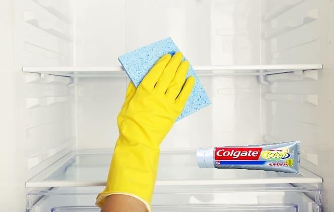 Вымыть холодильник зубной пастой