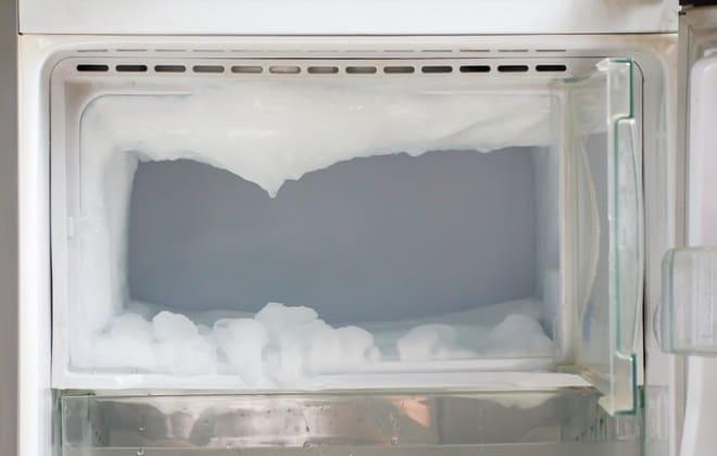 Как самостоятельно разморозить морозильную камеру