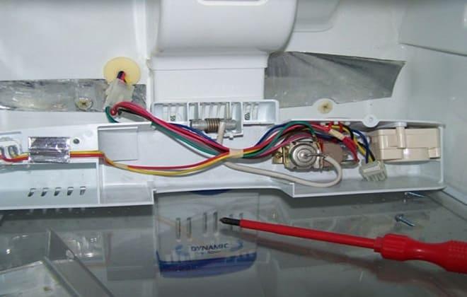 Поломка терморегулятора в холодильнике