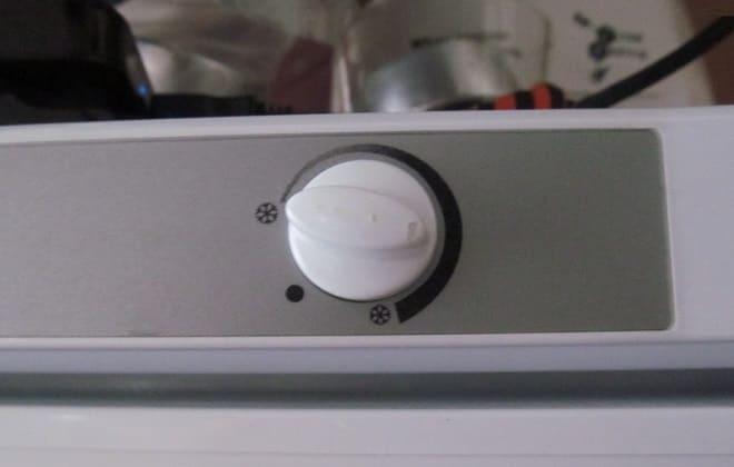 Терморегулятор в холодильнике Stinol