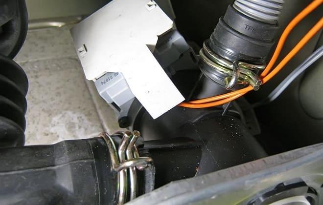Чистка патрубка в стиралке