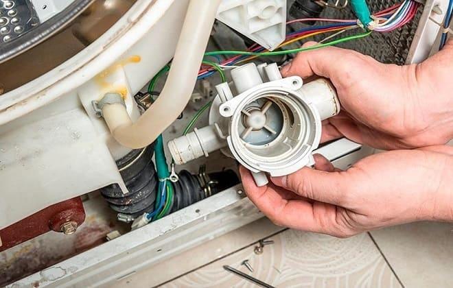 Как можно почистить насос в стиральной машине