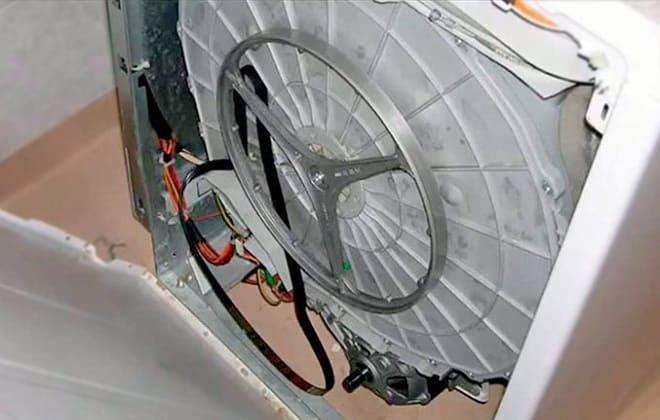 Почему слетел ремень на стиральной машинке