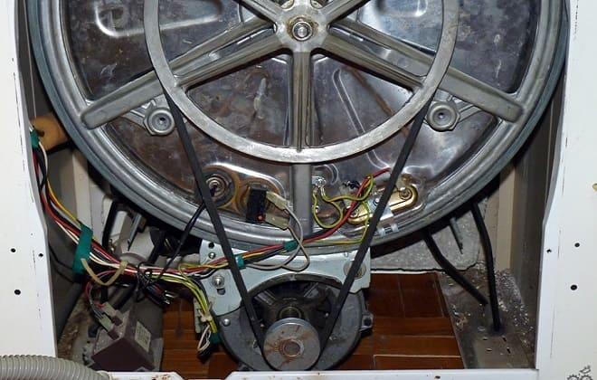 Ремень правильно натянут на стиральной машине