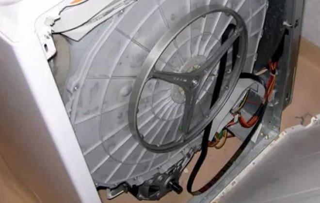 Слетел приводной ремень в стиралке