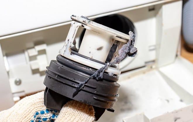 Грязный сливной фильтр в стиральной машине автомат