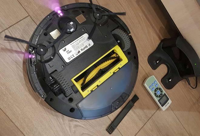 Робот и зарядная станция